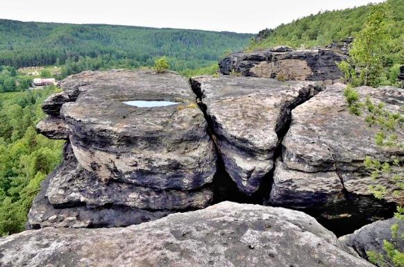 Ostrovské skály kameny